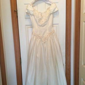 Michaelangelo size 8 wedding dress ivory pearls
